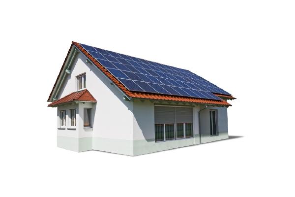 Maison individuelle avec panneaux solaires