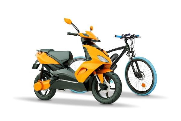 Un scooter et un vélo